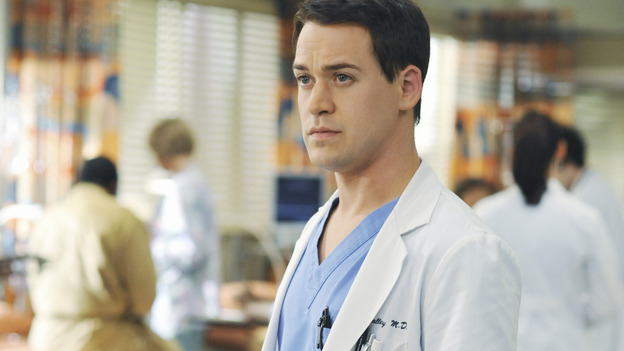 "GREY'S ANATOMY - ""There's No 'I' in Team"" - Dr. George O'Malley, on ""Grey's Anatomy,"" THURSDAY, OCTOBER 23 (9:00-10:01 p.m., ET) on the ABC Television Network.  (ABC/ERIC MCCANDLESS) T.R. KNIGHT"