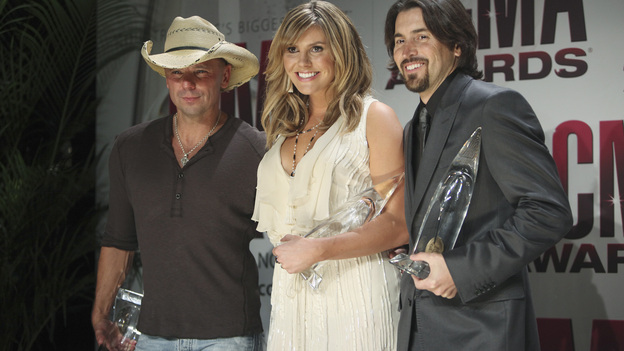 "THE 45th ANNUAL CMA AWARDS - GENERAL - ""The 45th Annual CMA Awards"" broadcast live on ABC from the Bridgestone Arena in Nashville on WEDNESDAY, NOVEMBER 9 (8:00-11:00 p.m., ET). (ABC/SARA KAUSS) KENNY CHESNEY, GRACE POTTER, SHAWN SILVA"