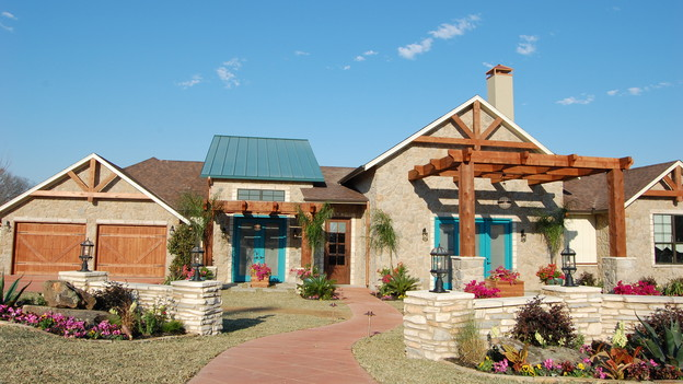 EXTREME MAKEOVER HOME EDITION - &quot;Carr Family,&quot; - Exterior, on &quot;Extreme Makeover Home Edition,&quot; Sunday, May 2nd (8:00-9:00 p.m. ET/PT) on the ABC Television Network.