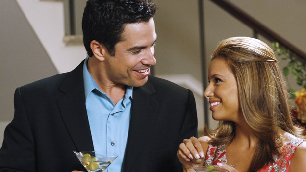 "DESPERATE HOUSEWIVES -- ""Nice She Ain't"" - The divorce between Gaby and Carlos reaches new levels of bitterness, Lynette becomes the co-owner of a new business venture, and Susan struggles with her love for two men, on ""Desperate Housewives,"" SUNDAY, OCTOBER 22 (9:00-10:01 p.m., ET) on the ABC Television Network. (ABC/RON TOM)MARCO SANCHEZ, EVA LONGORIA"