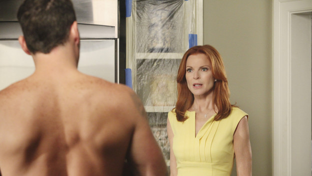 DESPERATE HOUSEWIVES - &quot;You Must Meet My Wife&quot; -  After Renee begins spending a lot of time with Tom, an angry Lynette feels she's trying to sabotage their marriage; Bree fires Keith (Brian Austin Green) without warning when she suddenly finds herself falling for him; Susan is wracked with guilt about lying to Mike about her new, risqu side job; Gabrielle rushes to the hospital after learning that Bree accidentally hit Juanita with the car; and Paul introduces the women of Wisteria Lane to his new wife, on &quot;Desperate Housewives,&quot; SUNDAY, OCTOBER 3 (9:00-10:01 p.m., ET) on the ABC Television Network. (ABC/DANNY FELD)BRIAN AUSTIN GREEN, MARCIA CROSS