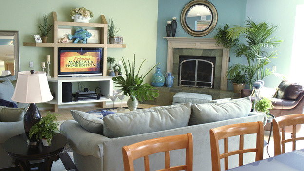 EXTREME MAKEOVER HOME EDITION - &quot;Wofford Family,&quot; - Living Room, on &quot;Extreme Makeover Home Edition,&quot; Sunday, September 26th on the ABC Television Network.