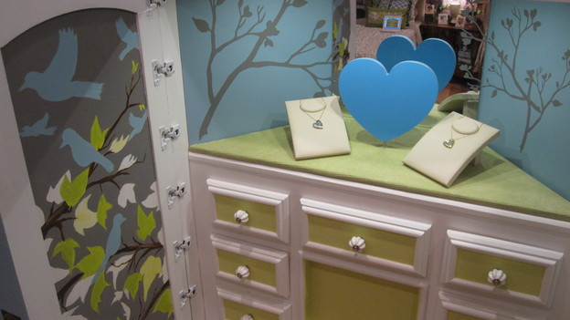 EXTREME MAKEOVER HOME EDITION - &quot;Beach Family,&quot; - Jewelry Box Room Pictures, on &quot;Extreme Makeover Home Edition,&quot; Sunday, April 4th (8:00-10:00 p.m. ET/PT) on the ABC Television Network.