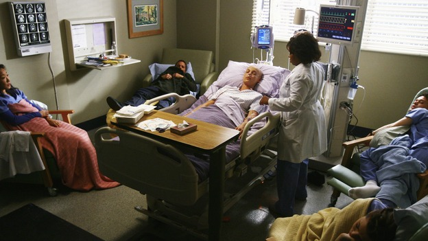 GREY'S ANATOMY - &quot;Now or Never&quot; - The doctors of Seattle Grace wait for their friend,&nbsp;Dr. Izzie Stevens, to wake up after her brain surgery, on &quot;Grey's Anatomy,&quot; THURSDAY, MAY 14 (9:00-11:00 p.m., ET) on the ABC Television Network. SANDRA OH, JUSTIN CHAMBERS, KATHERINE HEIGL, CHANDRA WILSON, T.R. KNIGHT, ELLEN POMPEO