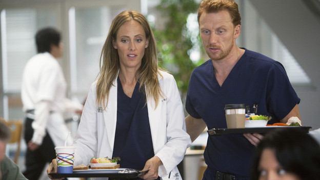 "GREY'S ANATOMY - ""New History""- When Owen recruits his fellow Iraqi War vet, Dr. Teddy Altman, as the new cardiothoracic surgeon, Cristina questions Teddy's abilities in the OR and the nature of their past relationship. Meanwhile Izzie returns to Seattle Grace with her high school mentor seeking treatment for his dementia, and the stress of Richard's responsibilities, post-merger, are taking their toll, on ""Grey's Anatomy,"" THURSDAY, NOVEMBER 12 (9:00-10:01 p.m., ET) on the ABC Television Network. (ABC/RANDY HOLMES)KIM RAVER, KEVIN MCKIDD"