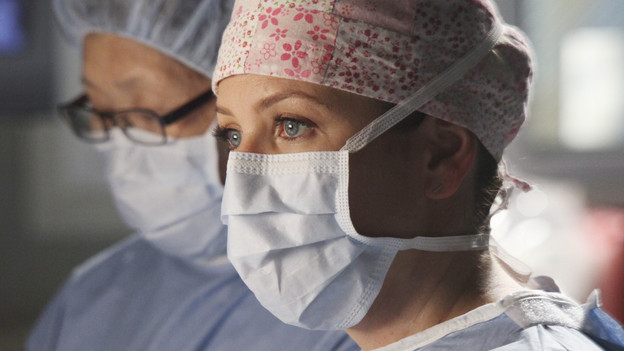 GREY'S ANATOMY - &quot;Start Me Up&quot; - Arizona seeks Mark's advice as she tries to reconcile with Callie, who has big news of her own; Teddy must make a key decision for Henry during his surgery; and on the same day the residents receive a new crop of interns, the Chief announces he is looking for a new Chief Resident, on &quot;Grey's Anatomy,&quot; THURSDAY, JANUARY 13 (9:00-10:01 p.m., ET) on the ABC Television Network. (ABC/DANNY FELD)JESSICA CAPSHAW