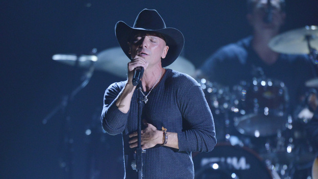 "THE 46TH ANNUAL CMA AWARDS - THEATRE - ""The 46th Annual CMA Awards"" airs live THURSDAY, NOVEMBER 1 (8:00-11:00 p.m., ET) on ABC live from the Bridgestone Arena in Nashville, Tennessee. (ABC/KATHERINE BOMBOY-THORNTON)KENNY CHESNEY"