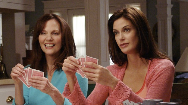 "DESPERATE HOUSEWIVES - ""CHILDREN WILL LISTEN "" (ABC/DANNY FELD) LESLEY ANN WARREN, TERI HATCHER, MARCIA CROSS"