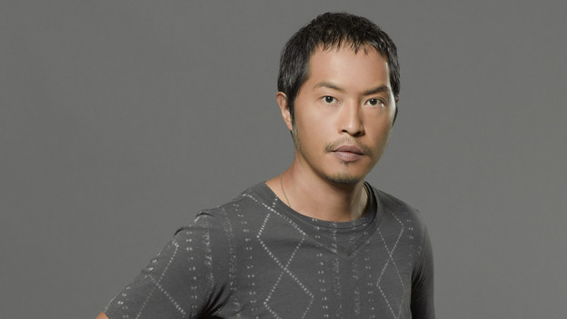 LOST - ABC's &quot;Lost&quot; stars Ken Leung as Miles. (ABC/BOB D'AMICO)
