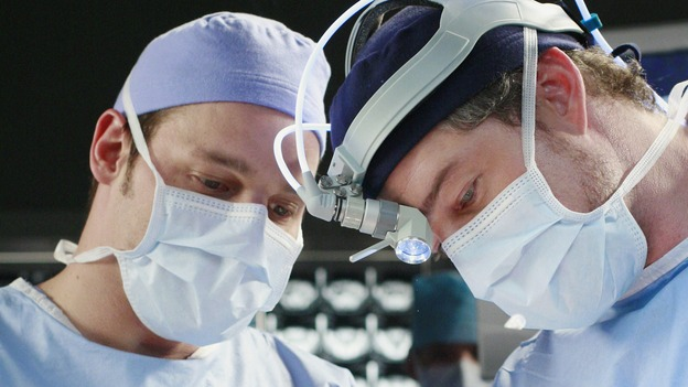 "GREY'S ANATOMY - ""Scars and Souvenirs"" - The race for chief heats up after a new competitor enters the fray, tensions escalate between Izzie and George, and Callie must reveal a big secret. Meanwhile, Derek treats a patient near and dear to him, while Alex continues his work with Jane Doe, on ""Grey's Anatomy,"" THURSDAY, MARCH 15 (9:00-10:01 p.m., ET) on the ABC Television Network. (ABC/RON TOM) JUSTIN CHAMBERS, ELIZABETH REASER, ERIC DANE"