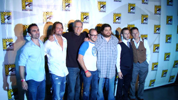 The Comic-Con 2009 panel was loaded with surprises and great guests. In attendance were Nestor Carbonell (Richard Alpert), Josh Holloway (Sawyer), Carlton Cuse (Executive Producer), Damon Lindelof (Executive Producer), Jorge Garcia (Hurley), Dominic Monaghan (Charlie Pace) and Michael Emerson (Ben Linus).