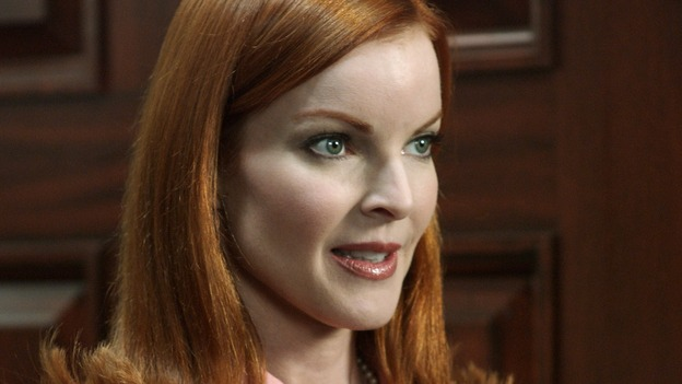 "DESPERATE HOUSEWIVES - ""AH, BUT UNDERNEATH"" (ABC/RON TOM) MARCIA CROSS"