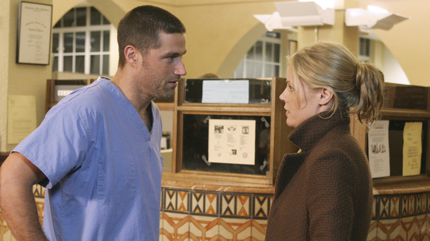 "LOST - ""A Tale of Two Cities"" (ABC/MARIO PEREZ)MATTHEW FOX, JULIE BOWEN"