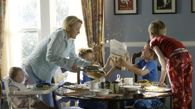 "DESPERATE HOUSEWIVES - ""PILOT"" (ABC/PETER ""HOPPER"" STONE) FELICITY HUFFMAN"